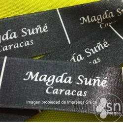 (SN-122) 20m. Etiq. Raso F/Negro Full color 4cm Hasta 4 tallas